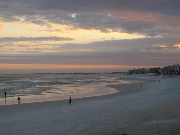 Praia do Forte oferece várias opções de hoteis, restaurantes e apartamentos de kuxo disponíveis para aluguel por temporada (Foto: Tássia Thum/G1)