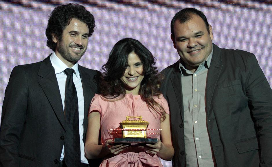 Troféu Promessas de melhor cantora foi entregue a Aline Barros