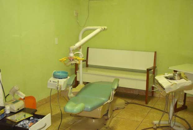 Falso dentista não usava luvas e máscaras, segundo conselho (Foto: Divulgação/Conselho Regional de Odontologia de Belém)