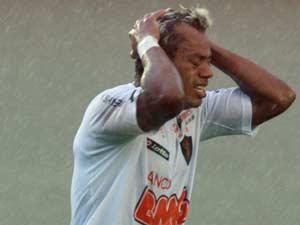 Marcelinho Paraíba no último jogo do Sport na série B em 2011, disputado no sábado (26) (Foto: Renato Conde/O Popular/AE)
