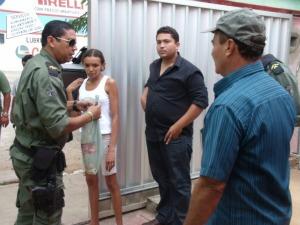 Material foi colhido por policiais para perícia (Foto: Diomar Araújo/Arquivo Pessoal)
