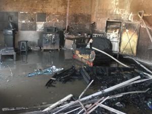 Fogo destrói casa no centro de Ouroeste, SP (Foto: Reprodução / TV Tem)