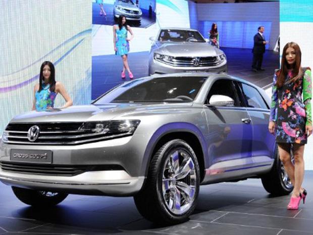 VW traz com o Cross Coupé a plataforma que será base para a nova geração do Golf (Foto: Toru YAMANAKA/AFP)