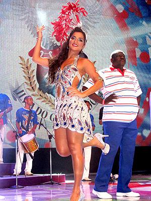 Bruna Bruno é rainha de bateria da União da Ilha há oito anos  (Foto: Rodrigo Vianna / G1)