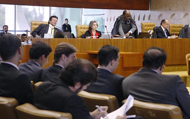Plenário do Supremo durante a análisa da Lei da Ficha Limpa nesta quinta (1º) (Foto: Gervásio Baptista/SCO/STF)