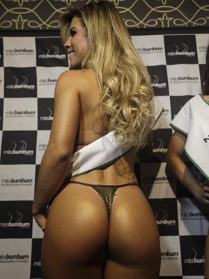 Rosana Ferreira foi campeã do concurso Miss Bumbum Brasil (Foto: Nelson Antoine/Foto Arena/AE)