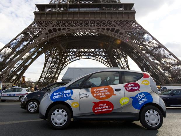 Paris; carros; elétricos; Autolib (Foto: Gonzalo Fuentes/REUTERS)