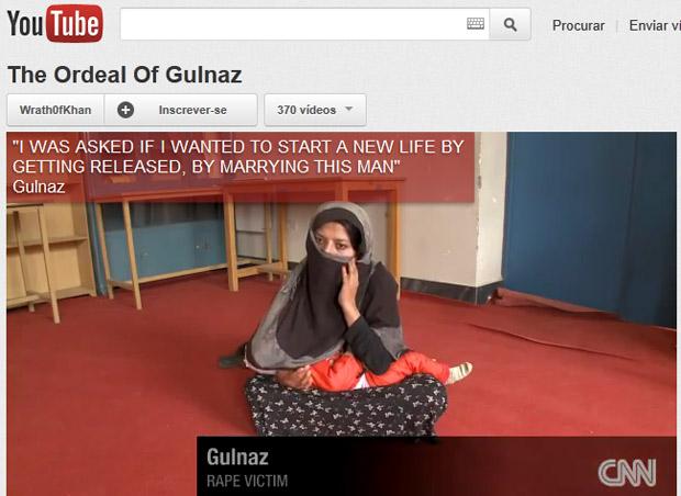 A afegã Gulnaz, com rosto coberto, durante entrevista à rede americana CNN (Foto: Reprodução)