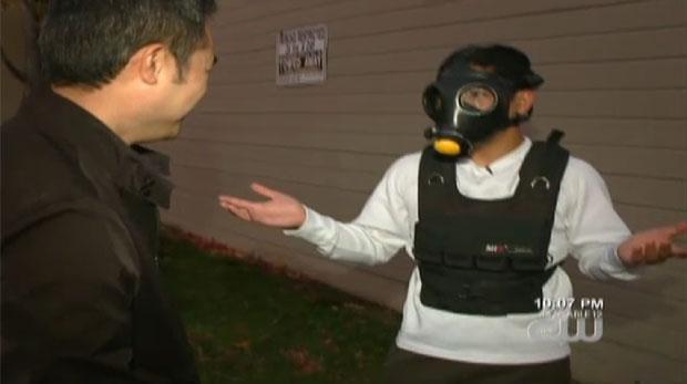 Hoang mostra o traje de 'crossfit' que causou toda a confusão (Foto: Reprodução/CBS5)