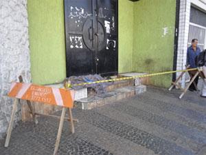 Corpo de morador de rua ficou em avenida de Campinas (Foto: Reprodução/EPTV)