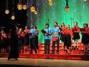 Coral da Suhab durante apresentação no Teatro Amazonas (Foto: Roberto Carlos/Agecom)