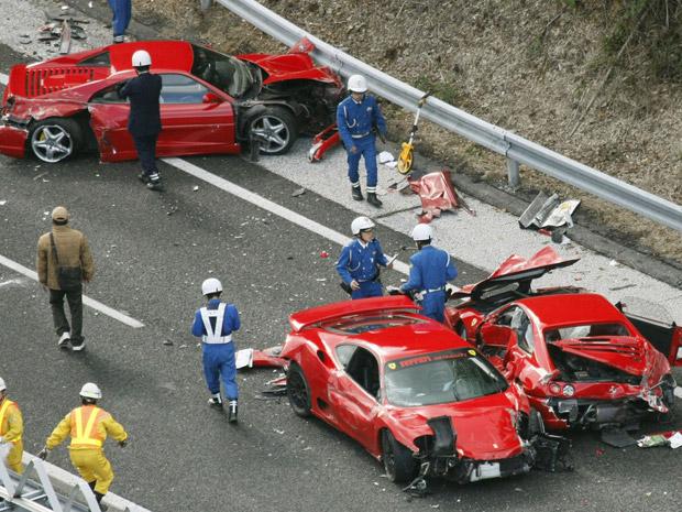 Oito Ferraris se envolvem em acidente no Japão (Foto: Reuters)