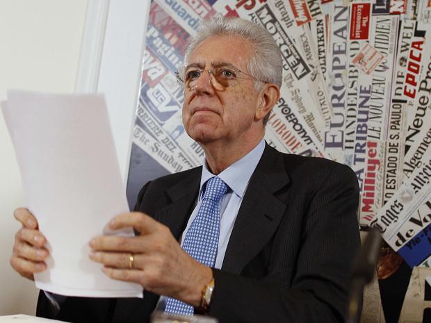 Premiê italiano Mario Monti participa de coletiva com mídia estrangeira em Roma (Foto: Reuters)