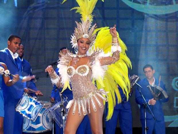 Sheron Menezzes será rainha da bateria da Portela pelo segundo ano seguido (Foto: Rodrigo Vianna / G1)