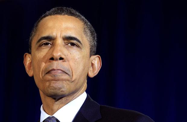 Obama fala ao público durante visita a uma escola no estado do Kansas (Foto: Kevin Lamarque/Reuters)