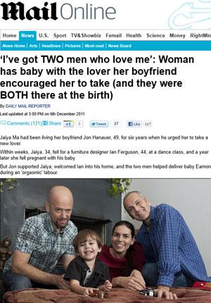 Família de dois 'pais', mãe e filho vive junta em Topanga, na Califórnia (Foto: Reprodução/Daily Mail)
