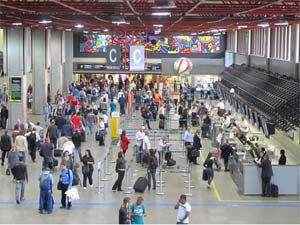 Aeroporto de Guarulhos, o de maior movimento do país, terá prazo de concessão de 20 anos (Foto: Darlan Alvarenga/G1)