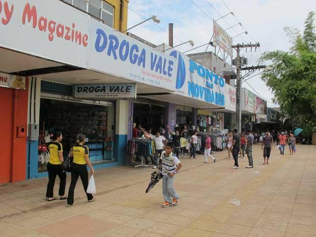 Comércio local teme perder consumidores para o novo shopping (Foto: Gabriela Gasparin/G1)