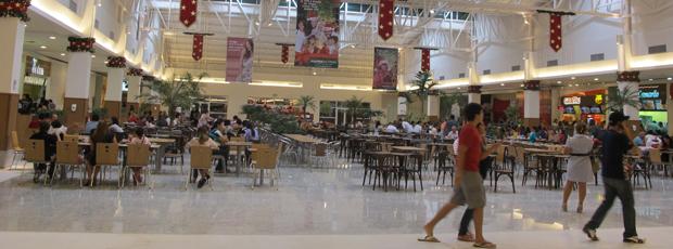 Praça de alimentação do primeiro shopping de Rio Branco (Foto: Gabriela Gasparin/G1)