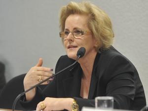 A nova ministra do STF Rosa Maia Weber Candiota em sabatina no Senado (Foto: Antônio Cruz/ABr)