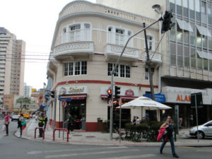 Aberto desde 1904, o Bar Stuart é o mais antigo em atividade de Curitiba (Foto: Fernando Castro/G1)