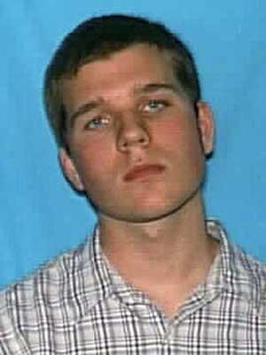 Polícia divulgou foto do estudante Ross Truett Ashley, de 22 anos. (Foto: Reuters)
