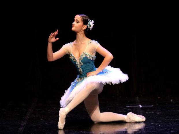 Jackeline de Tatuí, SP, tem paixão pelo ballet desde os quatro de idade (Foto: Arquivo pessoal/ Divulgação)