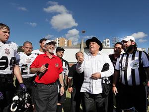 Lula tirou cara ou coroa no início da partida (Foto: Divulgação: Instituto Lula/ Ricardo Stuckert)