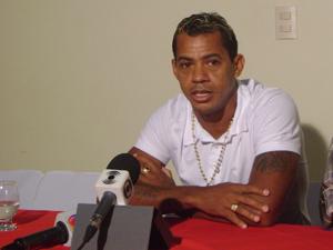 Entrevista coletiva de Marcelinho em Campina Grande (Foto: Karoline Zilah/G1)
