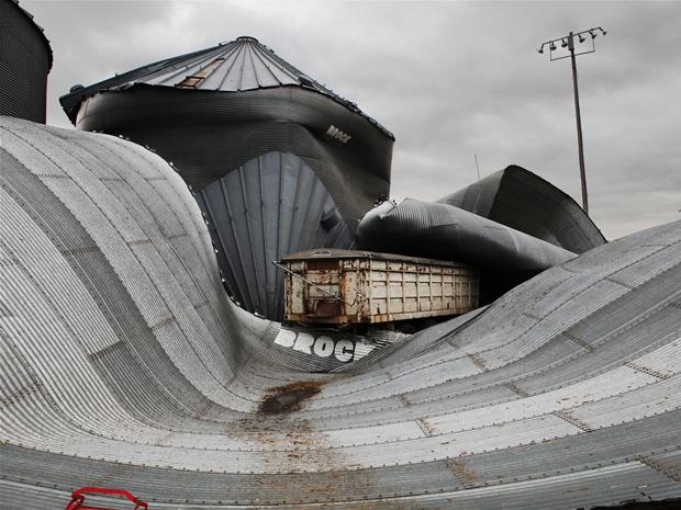 Destruição após tornado em Mapleton, nos Estados Unidos. (Foto: Timothy Wright/National Geographic Photo Contest)