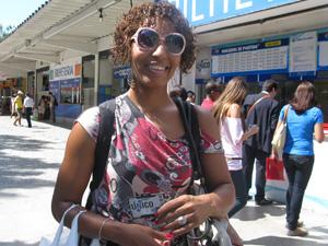Cabeleireira Cristiane Baião (Foto: Carolina Lauriano/G1)