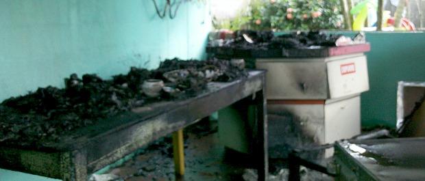 O incêndio foi controlado pela vendedora autônoma e por vários moradores (Foto: Vinícius Baptista/TV Gazeta)
