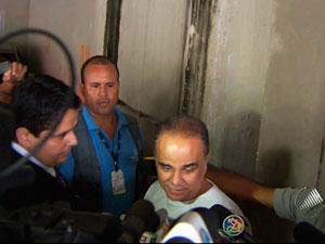 Marcos Valério deixa a prisão em Salvador (Foto: Reprodução/TV Bahia)