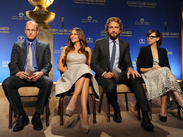 Os atores Woody Harrelson, Sofia Vergara, Gerard Butler e Rashida Jones em evento de anúncio os indicados ao Globo de Ouro (Foto: Kevin Winter/AFP)