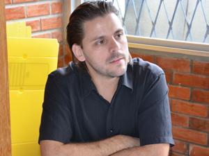 Professor Leonardo Rosa diz ter sido espancado na Paraíba (Foto: Walter Paparazzo/G1)