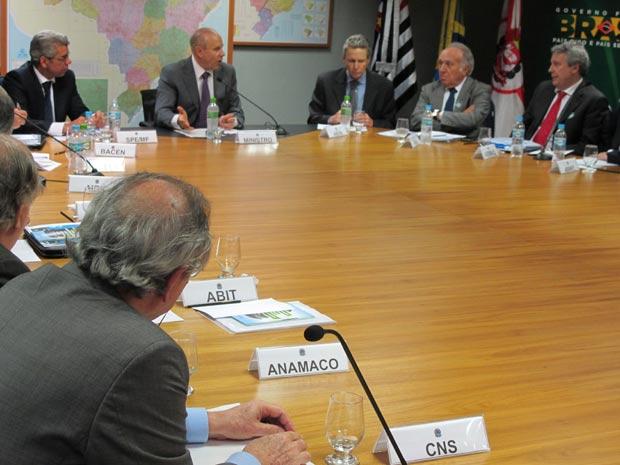 O ministro da Fazenda, Guido Mantega, participa na tarde desta quinta-feira (15), em São Paulo, da última reunião do ano do Grupo de Avanço da Competitividade (GAC) (Foto: Darlan Alvarenga/G1)