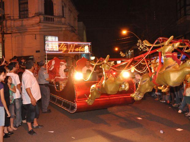 A chegada do Papai Noel é a atração mais esperada em Jaú (Foto: Luiz C. Oliveira/ Divulgação)