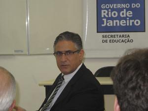 Secretário Wilson Risolia anuncia metas para a educação em 2012 (Foto: Alba Valéria Mendonça/ G1)