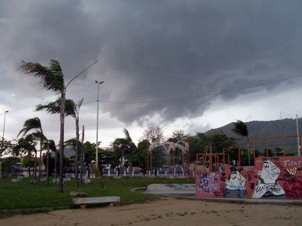 Chive forte em Bangu, na Zona Oeste (Foto: Christiano Ferreira/G1)
