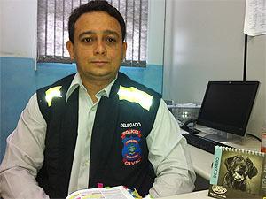 Delegado da 1ª Delegacia de Formosa (GO), Carlos Firmino Dantas. (Foto: Rafaela Céo)