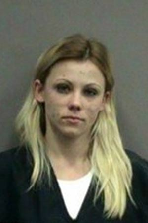 Flagrada com dinheiro falso, Amy Lynn Benson mentiu 4 vezes para polícia. (Foto: Divulgação)