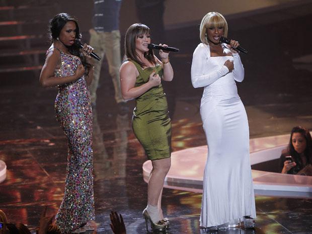 Jennifer Hudson, Kelly Clarkson e Mary J. Blige cantam no evento 'VH1 divas celebrates soul' em Nova York (Foto: Carlo Allegri/Reuters)