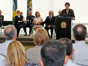 Dilma Rousseff discursa para público formado por militares (Foto: Roberto Stuckert Filho / Presidência)