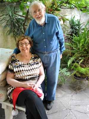"""Günter e a mulher Susi, que não se considera Mamãe Noel: """"É um momento só dele"""" (Foto: Luiza Carneiro/G1)"""