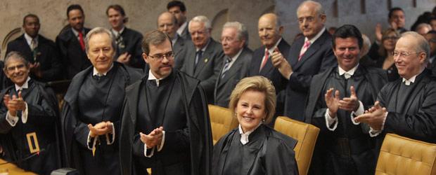 Ministros do Supremo aplaudem Rosa Weber na cerimônia de posse (Foto: Nelson Jr. / SCO / STF)