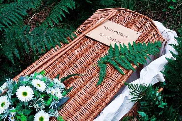 Caixão biodegradável vendido pela empresa Winter Willow é feito de madeira sustentável (Foto: Divulgação / Winter Willow)
