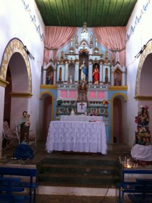 """Igreja fica lotada durante novenário e """"muda a cara"""" de Cococi (Foto: André Teixeira/G1)"""