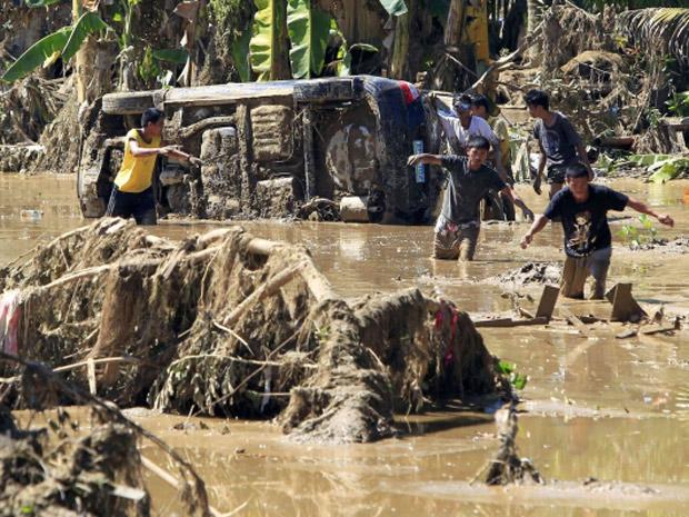 Número de mortos pela tempestade Washi supera os 1.000 nas Filipinas (Foto: Erik De Castro/Reuters)