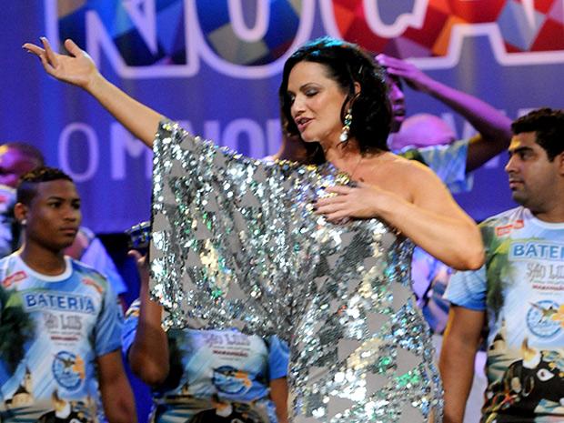 Apaixonada pelo carnaval, ex-modelo diz que não vai se aposentar do cargo de rainha (Foto: Diego Mendes / Divulgação)