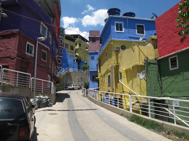 As obras do PAC deram um visual novo à Rua 4, que tinha 80 cm de largura (Foto: Bernardo Tabak/G1)